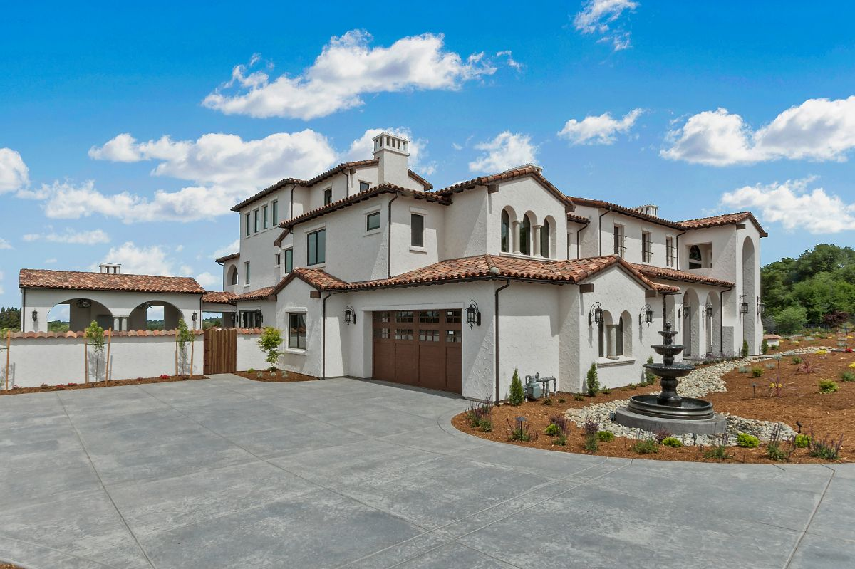 Fort Rock Custom Home - exterior and garage